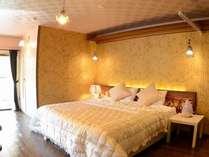 35平米のお部屋に200cm幅のキングベッドが1台、お2人でもゆったり♪/キンク゛タ゛フ゛ル