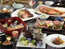 伊勢海老のお造りが付く露天風呂付のお部屋の冬料理一例。
