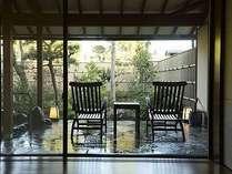 お部屋の外には異なるコンセプト毎に庭園が広がる