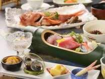 季節替わりの和会席膳一例。※宿泊時期により料理内容は変わります