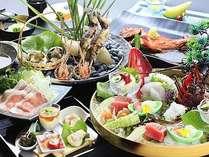 2017:旬彩・夏料理。※9月中旬まで予定。素材を厳選した和会席膳。※お造里、宝楽は2名様盛りの一例