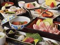 伊勢海老、金目鯛の海の幸と静岡産銘柄豚と三島野菜を堪能する和会席膳。
