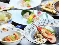 量を控えながらも、伊勢海老、金目鯛を堪能できる少食の方にも最適な和会席膳一例。
