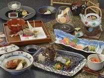 伊勢海老、金目鯛、和牛に松茸と、素材を厳選した調理長お勧めの期間限定和会席膳の一例。