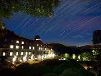 冬の凛とした空気に包まれる山のホテル