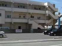 第一駐車場 ホテルの玄関から一番近い駐車場です。チェックイン時に車種、車番のご登録をお願い致します。