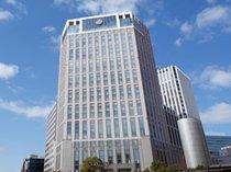ホテル外観(横浜駅西口より)