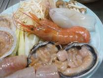 魚介類の旨みが凝縮したスープが美味!キムチ鍋