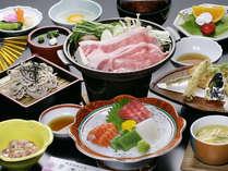 【旬の会席料理】地元産の食材にこだわったお食事をご提供しております