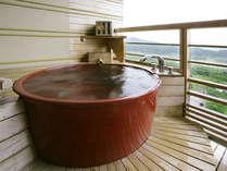 【陶器風 露天風呂付客室】昼は関東平野の絶景、夜は夜景を堪能頂けます