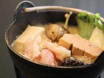 お食事のメインには国産のあんこうを取り寄せて作った「あんこう鍋」