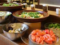 ヘルシーな野菜やフルーツも沢山ご用意!
