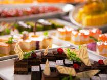 【食事クチコミ高評価!】目の前で焼きあがる肉料理に厳選チーズ♪北海道の食で織りなす日替わりビュッフェ