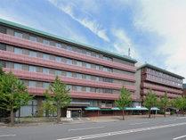 【ホテル外観】平安神宮や南禅寺など、数々の歴史的建造物が残る京都東山を徒歩散策に便利です。