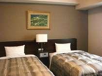 ●ツインルーム●白と茶色で統一された暖かみのある、落ち着いた雰囲気のお部屋です★