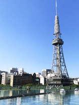 晴れた日の名古屋テレビ塔縦