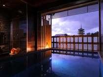 興福寺五重塔を眺めながら、贅沢なひと時。