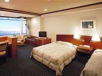 *洋室ツインルーム(一例) ベッドも広々としている快適空間。人気の客室です。
