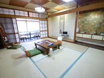 富士見屋本館|和室10畳(トイレなし)のお部屋。お手洗いはお部屋を出てすぐの場所にあります。