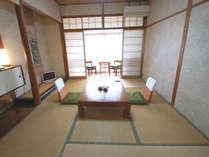 富士見屋本館|和室6畳のお部屋の一例