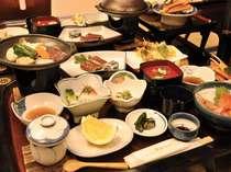 夕食は心づくしの和食膳をご用意。季節によって献立がかわります(例)