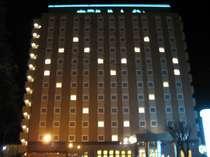 ホテルのお部屋の電気を使ったハート文字です♪