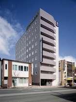 【コンフォートホテル北見】JR北見駅から徒歩約2分、国道39号線沿いに立地。
