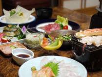*地元・伊豆の魚介類や山菜等バランスよくお楽しみ頂けるお食事(一例)