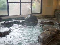 *旅の疲れをのんびり癒す…温泉浴をお楽しみ下さいませ。