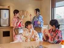 【女子旅】2階の湯上がり処ではアイスの無料サービスを実施しております。