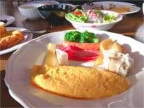 地元産の食材が並ぶ朝食ビュッフェ♪(イメージ)
