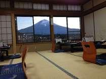 こんな富士山が出てる日に当たるといいですね。