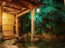 大露天風呂源泉かけ流し,19時30分~明朝7時(繁忙期は22時~6時30分)までは、貸切風呂