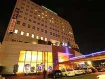 ホテル景観(夜)