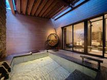 【テラス露天風呂付ツイン】お部屋専用の露天風呂でラグジュアリーなひと時を