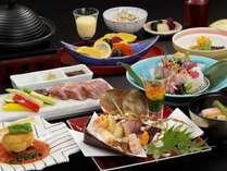 【ご夕食一例】日本の美しい四季と素材の旨みを最大限に引きだした本格懐石料理をご提供。