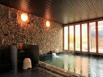 ラジウム温泉です。体に浴びると新陳代謝が活発になり、免疫力や自然治癒力が高まります