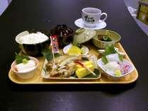 海陽亭の朝食を是非桃園館でお召し上がりください。仕入れ状況により内容が異なる場合がございます