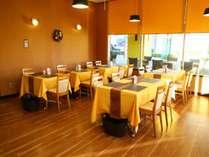 無料朝食会場_本とカレーと野菜カフェ