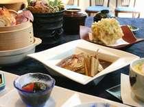 爽やかな 初夏の富山湾旬の味 「初夏の味覚懐石」 旬の富山湾の食材にこだわった料理