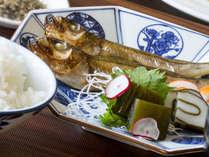 1時間毎に少量づつ、炊きたてで味わえる富山県産コシヒカリ「グランプリ」と旬の魚