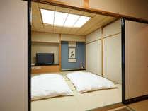 【和室】ホテル客室最上階にある4畳+8畳の和室。1~4名までご利用いただけます。