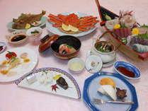 カニ姿盛・刺身舟盛プランの夕食膳