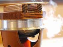 ●目の前で炊き上げる● 毎日直送の新鮮【さざえの釜飯】が人気!