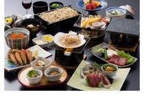 北海道の味覚を凝縮した 北海三昧会席は、海鮮が豪勢に並びます。