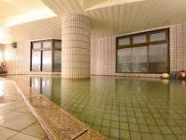 *大浴場/敷地から湧き出る自家源泉を使用した天然温泉!