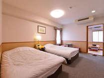 *特別室/ゆったりサイズのセミダブル。