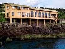 ドローンから見たリゾートホテル財宝別荘