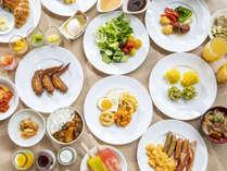【朝食ビュッフェ】和洋中約80種類以上のメニューをお楽しみいただけます。