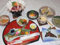 【創作会席一例】地元の食材を多く用いたお料理になります